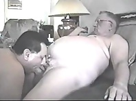 Found this video clip with mature men and many handsome daddies.